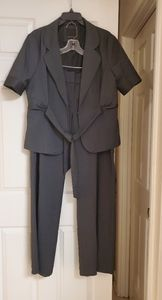 THE LIMITED WOMEN'S SUIT
